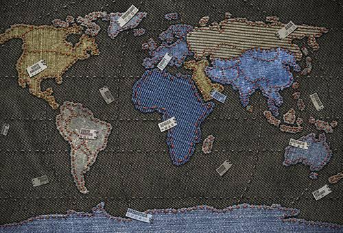 Карта мира из джинсовой ткани