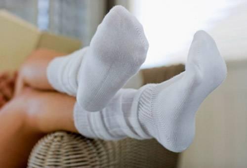 Белые хлопковые носки