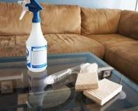 Средства для удаления пятен с дивана