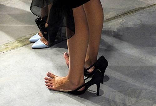 Замшевые туфли жмут