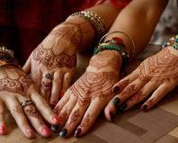 Мехенди на руках у женщин