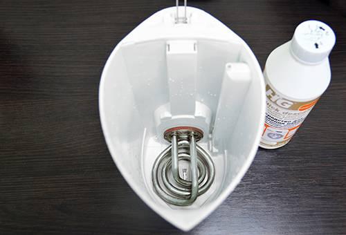 Чистый электрический чайник