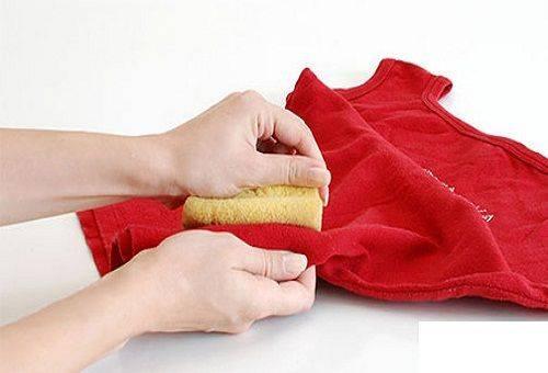 Как отстирать замазку, штрих, корректор с одежды в домашних условиях