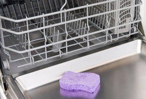 чистка посудомоечной машины губкой