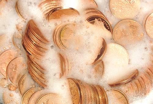 Чистка монет в мыльном растворе