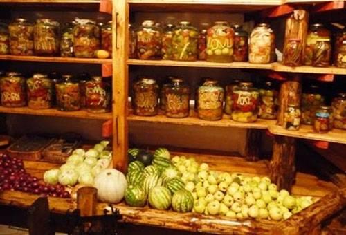 Хранение арбузов в подвале