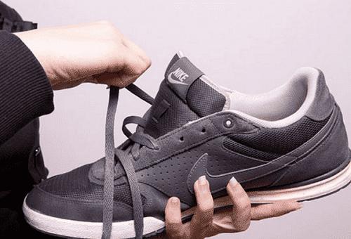 Как стирать кроссовки, кеды в домашних условиях