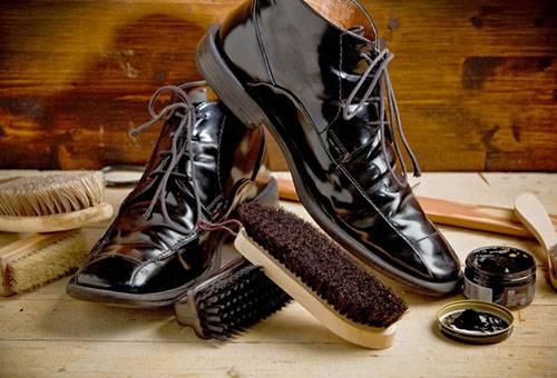 Средства для чистки лаковой обуви