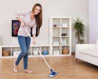 Уборка комнаты с ламинатом