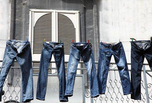 джинсы на сушке