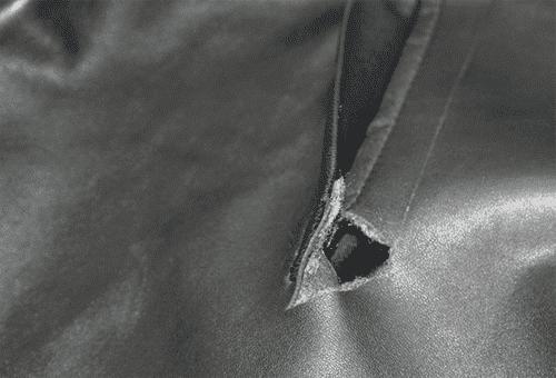 Как заклеить кожаную куртку в домашних условиях: 2 способа ремонта