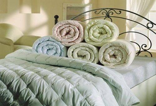 ватные одеяла на кровати