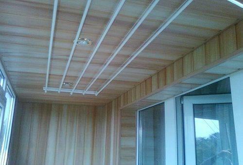 Потолочная сушилка для белья на балкон своими руками 58