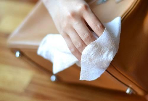 Устранение потертостей с кожаной сумки