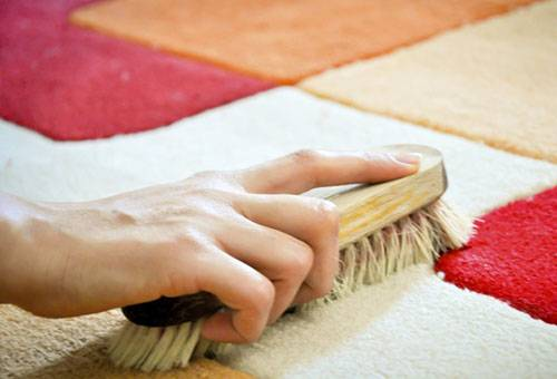 Как очистить ковер от пятен: практические советы в домашних условиях