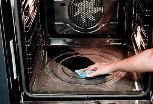 чистка духовки мыльным раствором