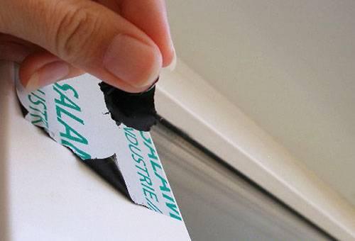 Удаление пленки с рамы пластикового окна