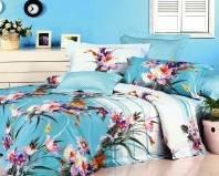застеленная кровать