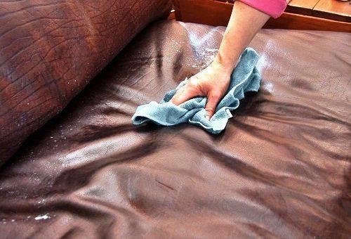 средства для чистки кожаного дивана