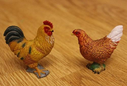 Фигурки - петух и курица