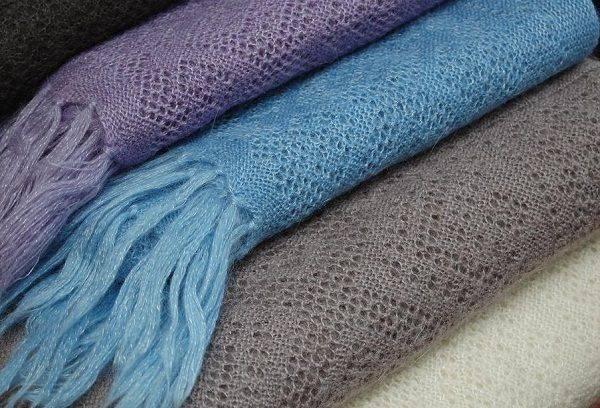 Цветные пуховые платки