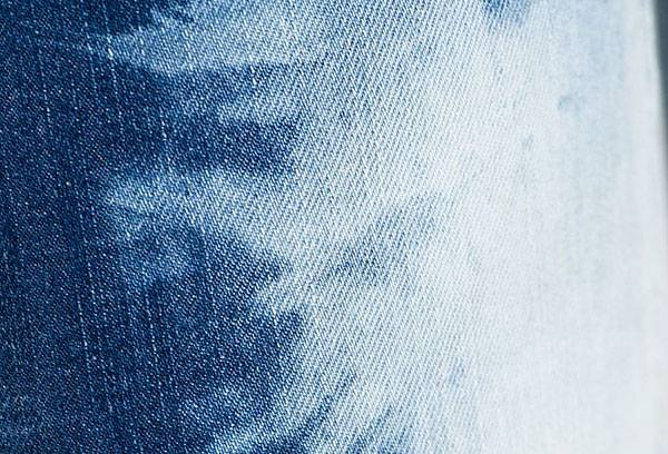 Выбеленная джинсовая ткань