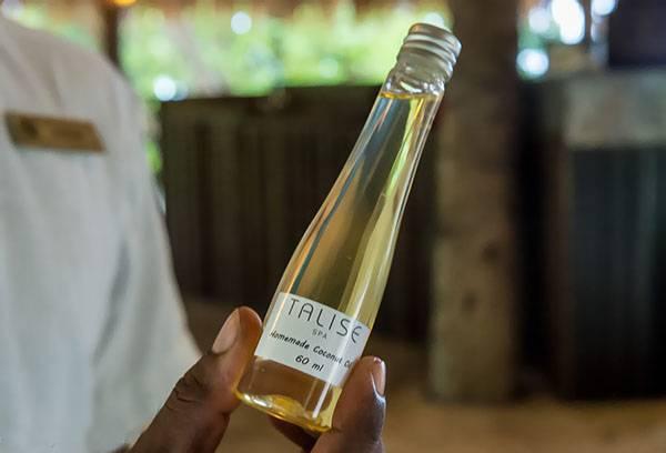 Кокосовое масло в бутылочке