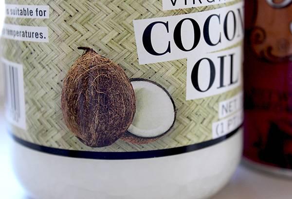 Банка с кокосовым маслом