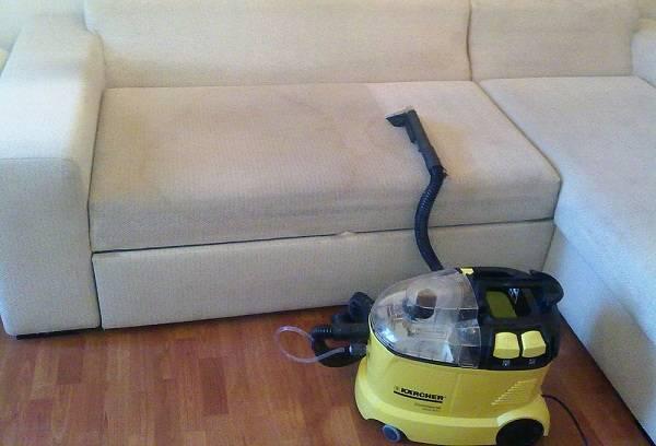 пятно на диване