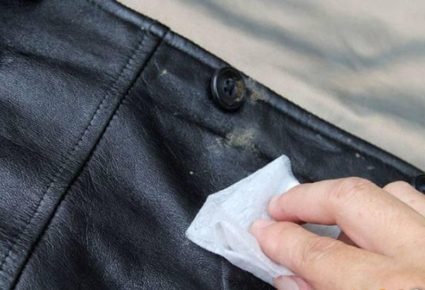 Очистка куртки из экокожи