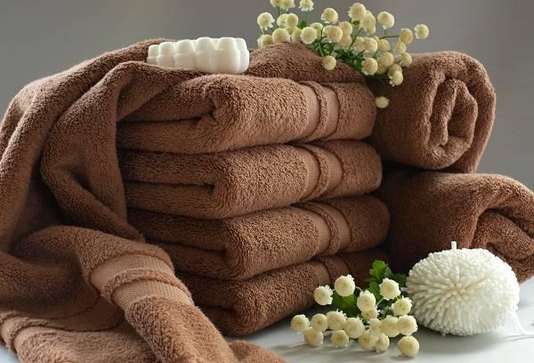 полотенца коричневого цвета