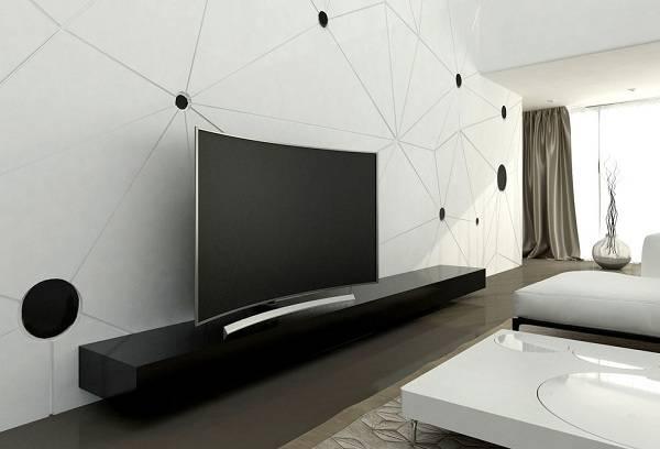 телевизор в гостиной комнате