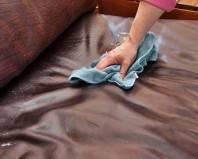 чистка кожанного дивана