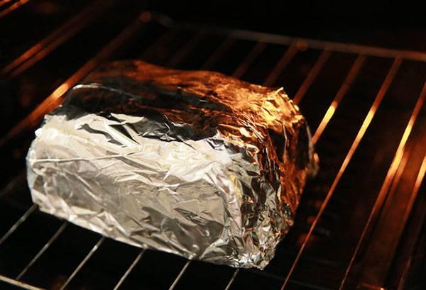 Хлеб в фольге в духовке