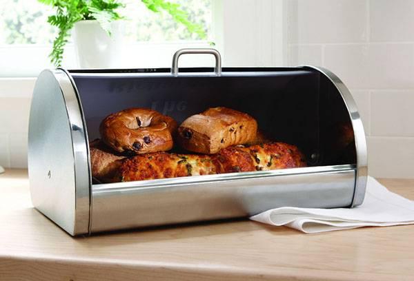 Хлебобулочные изделия в хлебнице