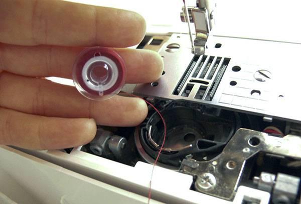 Подготовка к чистке швейной машины