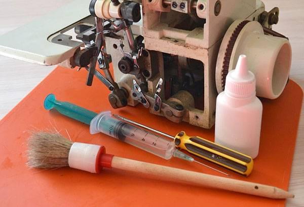 Инструменты для ухода за швейной машиной
