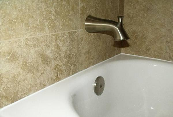 Заделка швы вокруг ванну