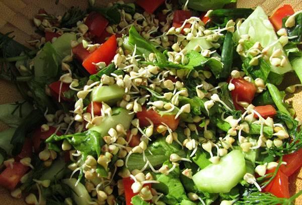 Салат с зеленой гречкой