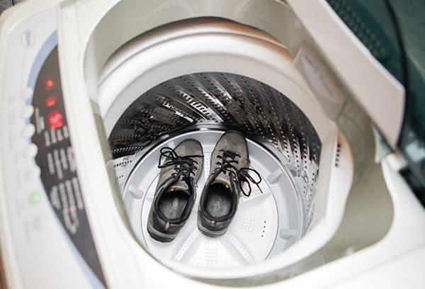 Стирка замшевой обуви в стиральной машине