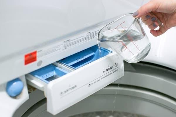 Добавление уксуса в стиральную машину