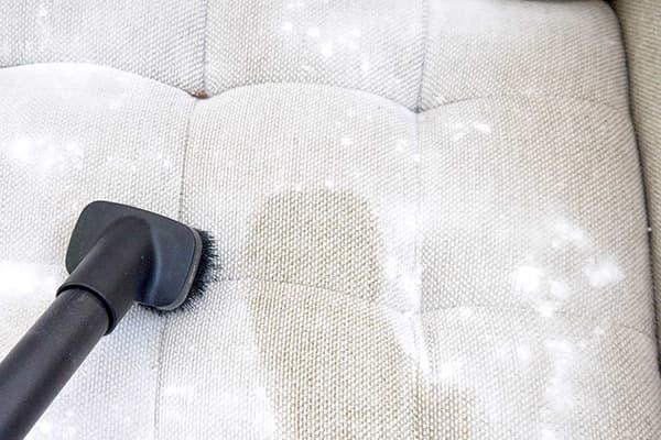 Чистка дивана содой