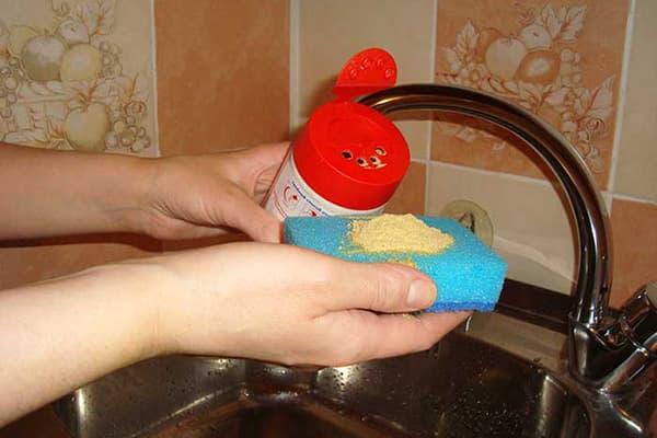 Мытье посуды горчицей
