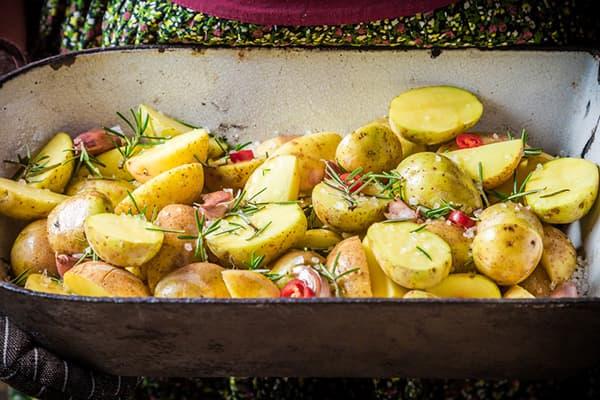 Гарнир из молодой картошки
