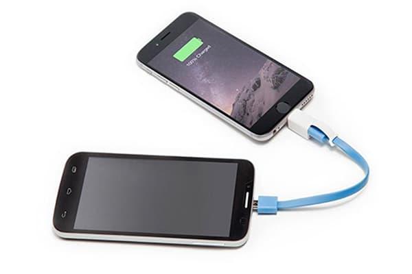 Зарядка одного смартфона от другого