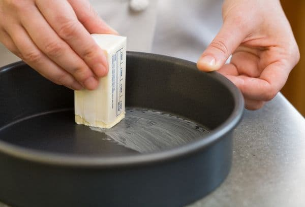 смазывание маргарином