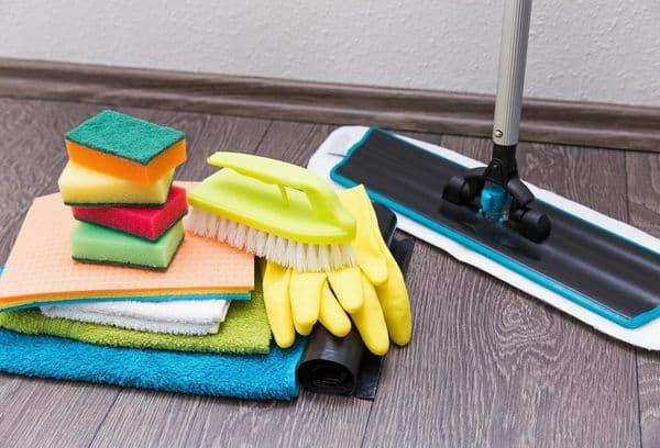 Щетки и тряпки для уборки