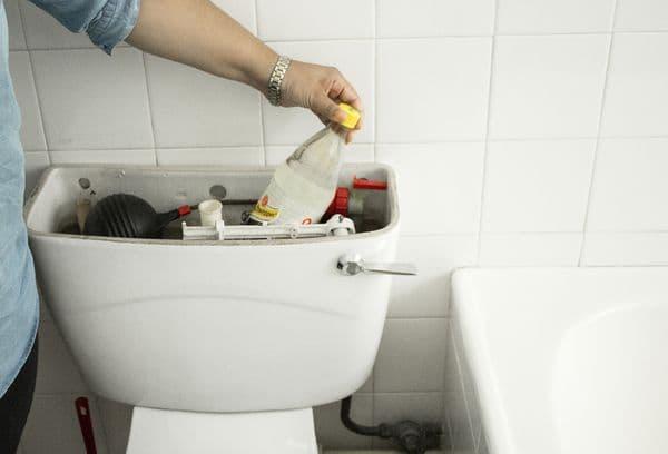 Уменьшение расхода воды бутылкой