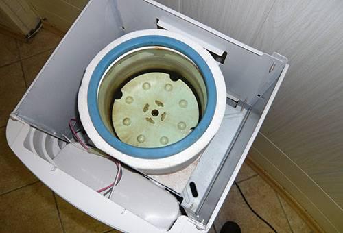 Разобранный кулер для воды