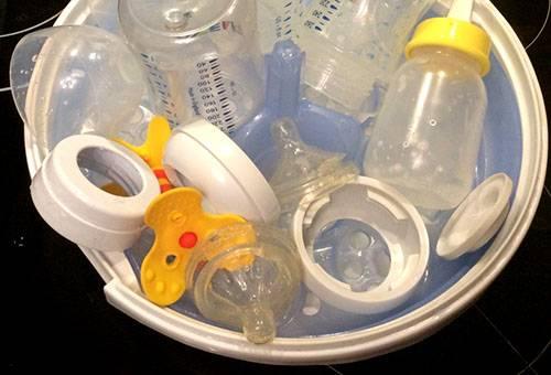 Подготовка детских бутылочек к стерилизации